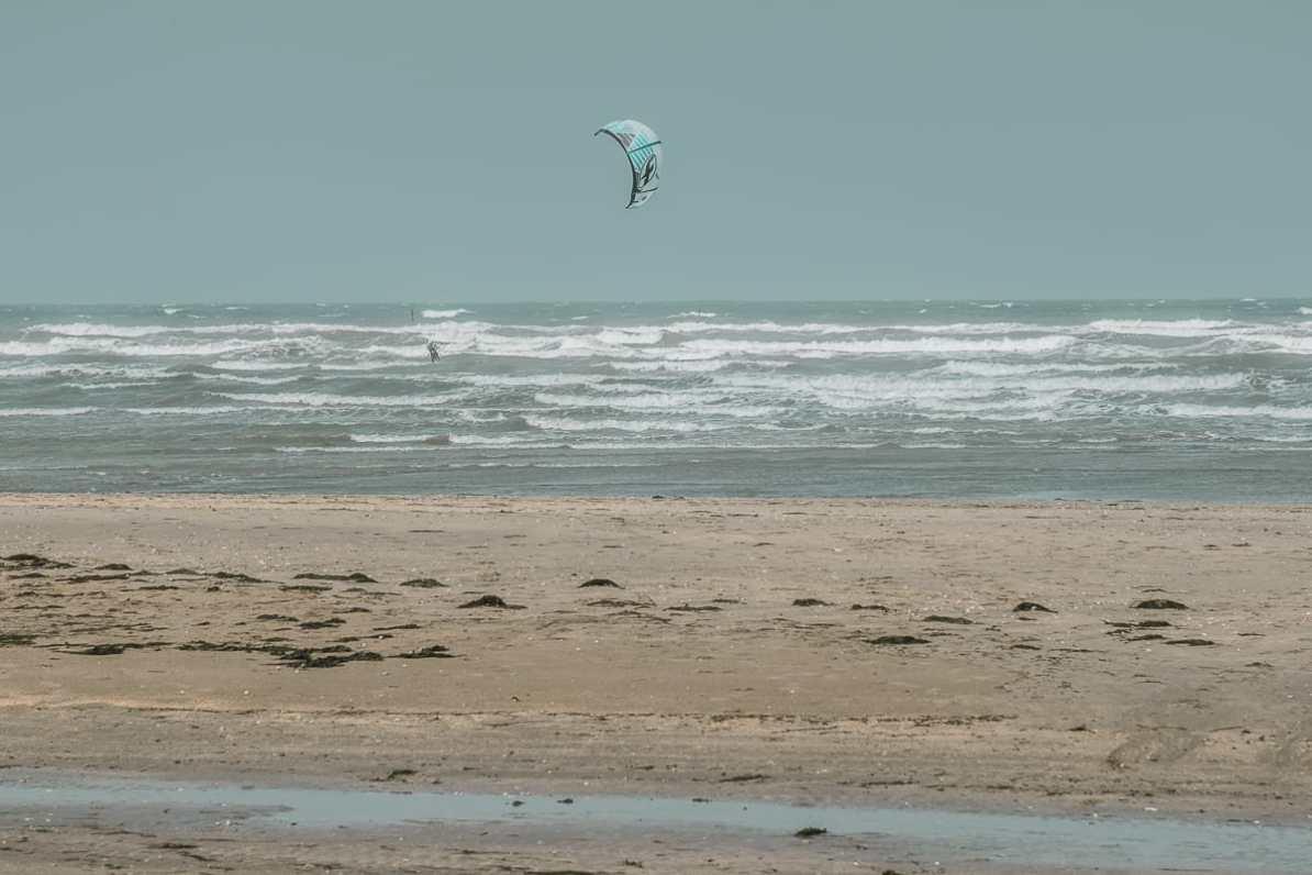 Windsurfer am Utah Beach.