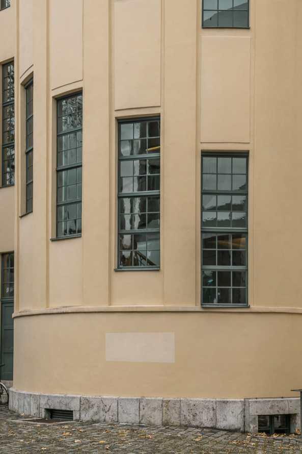 Detailaufnahme des Treppenhauses, Hauptgebäude der Bauhaus-Universität Weimar.