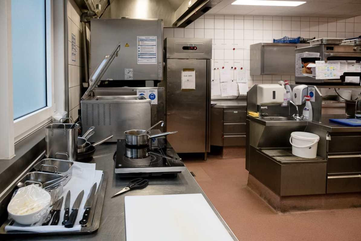 Ein gutes Mise en Place in der Küche des Mercure Hotel Berlin City