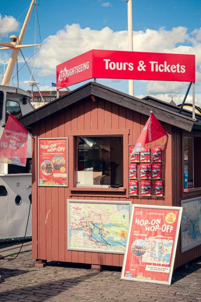 Kiosk eines Bootsanbieters in Gamla Stan