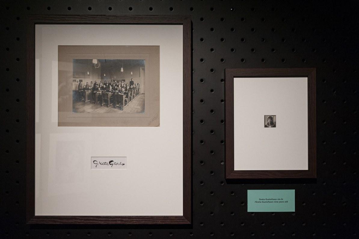Passfoto, Klassenfoto und Signatur von Greta Garbo, Fotografiska, 2016