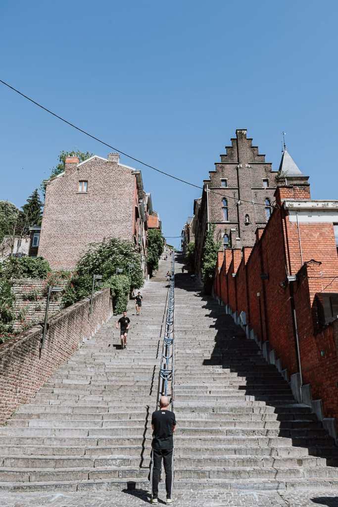 Montagne de Bueren, die imposante Treppe rauf zum Hügel der Zitadelle in Lüttich.