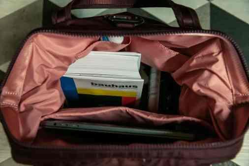 Reichlich Platz für Bücher und Laptop im Citysafe CX