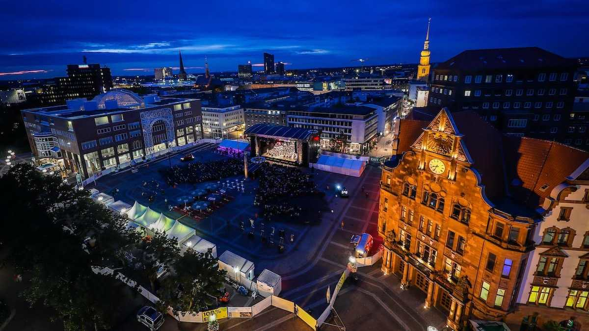 Friedensplatz Ansicht von Oben (aus Bersworthalle/Stadt Dortmund) während der Operngala/Cityring-Konzerte 2019, Foto: Jan Heinze/Stephan Schütze