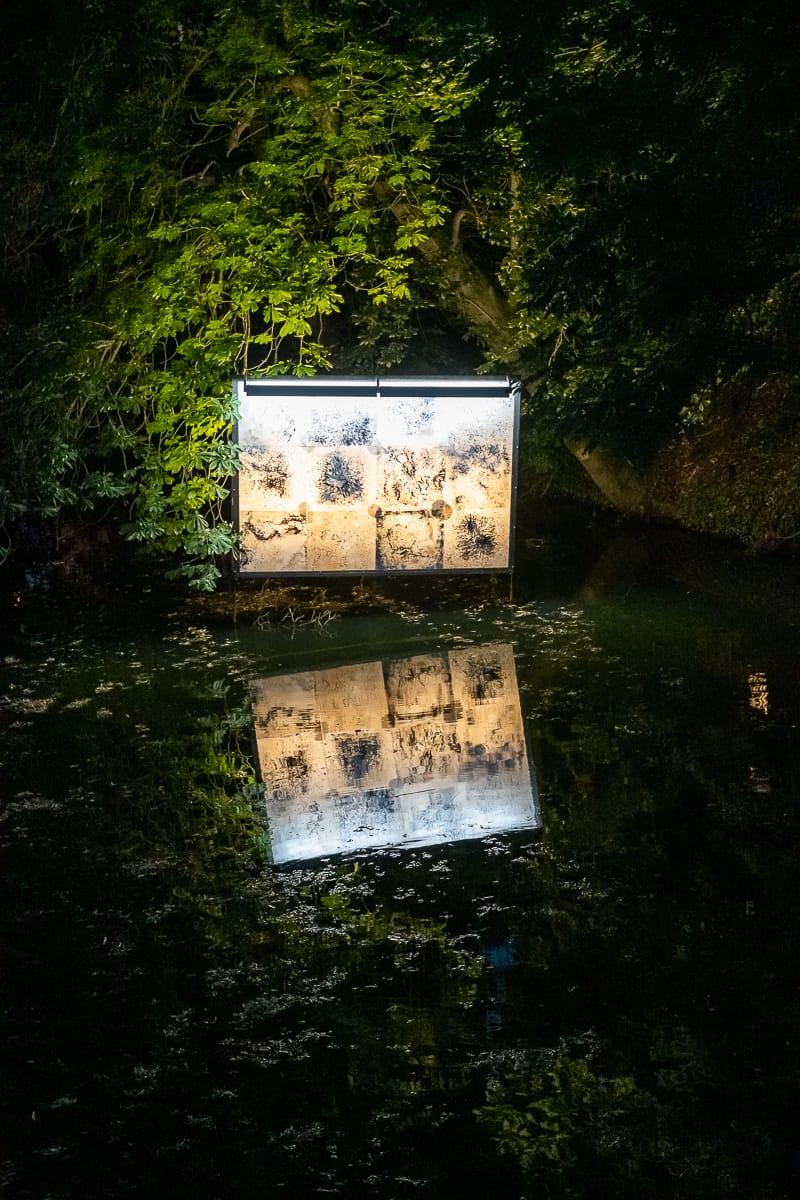 Lichtparcours 2020: #13 stranded drifter (Billboard)