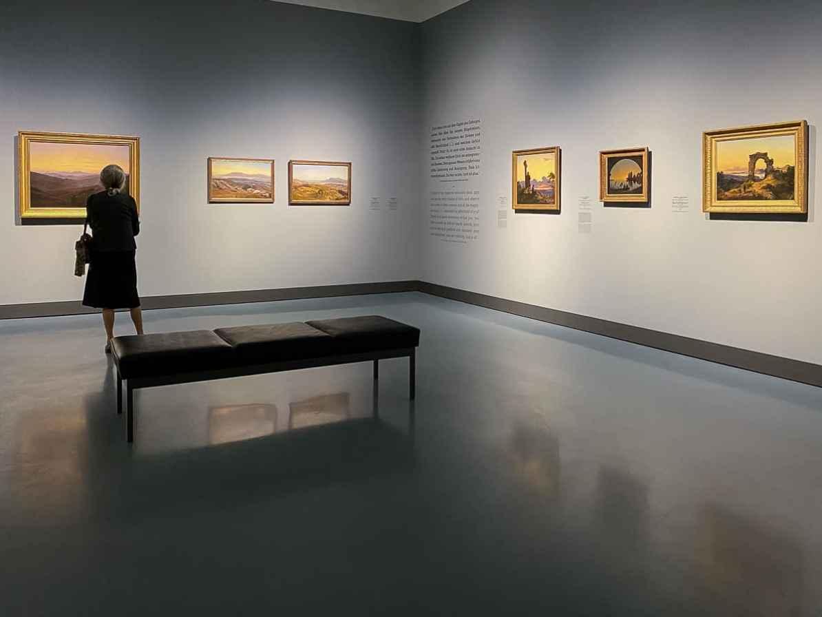 Blick in Teil II der Ausstellung - Stille Schau auf Landschaft und Andacht in der Natur