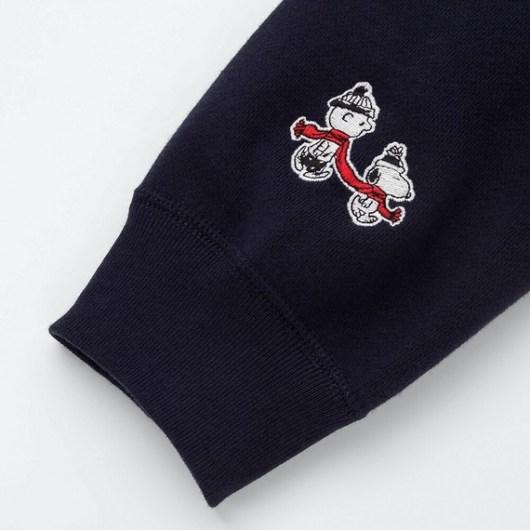 スヌーピーとユニクロコラボのスウェットシャツ2019