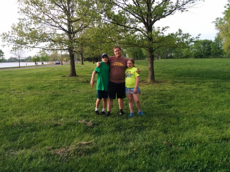 With the kids at Creve Couer lake for a lap around.