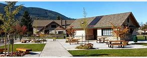 picture of Si View Parks building with Mount Si in background