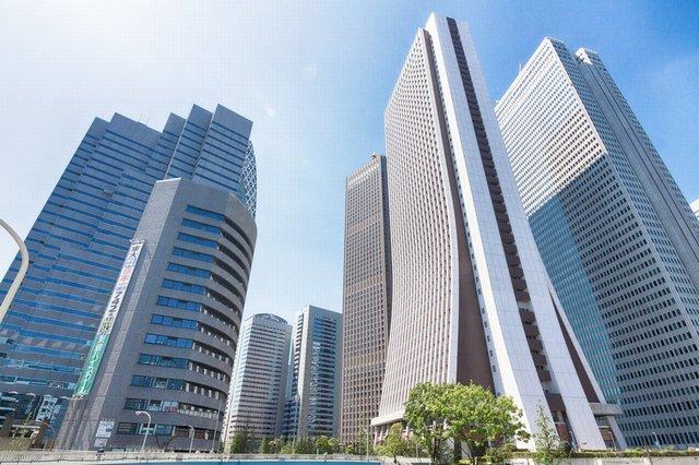 大手企業のビルの写真