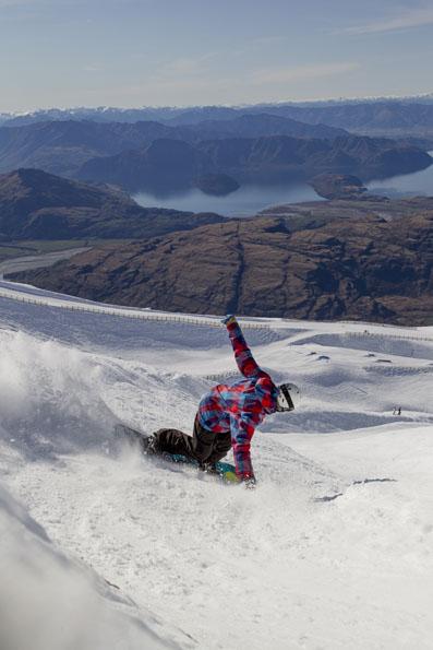 TREBLE CONE - SNOWBOARD 1