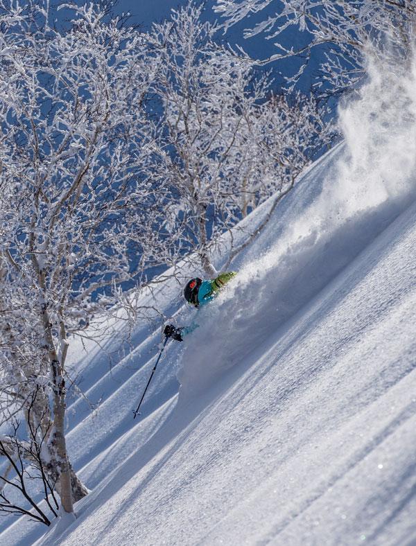 Skiing japowder at Kiroro