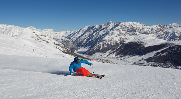 Carving the groomed slopes at Livigno