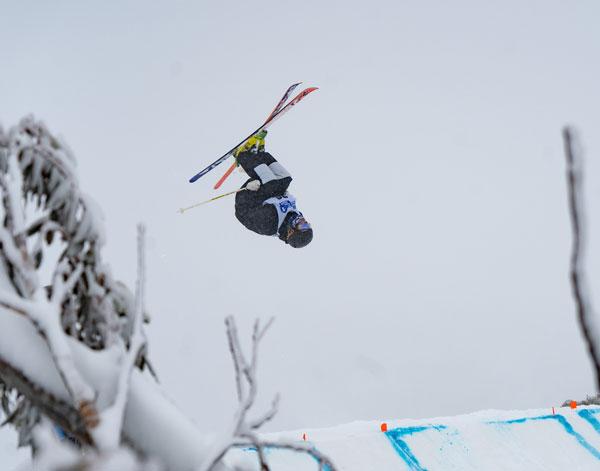 MAtt Graham skiing bumps Perisher