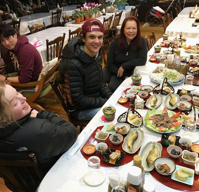 Ani.buna_.dinner.696 ⋆ SnowAction