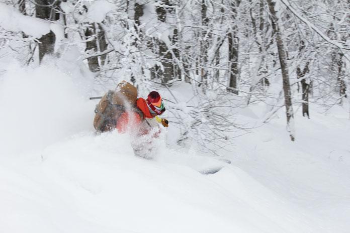 Famous Guide Chu Hei skiing at Hakkoda
