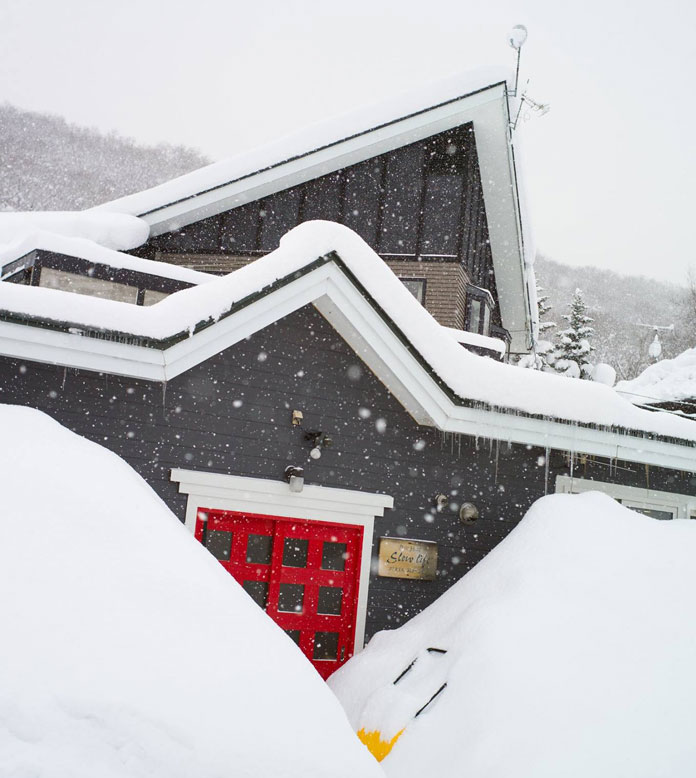Another snowy day at Slowlife Lodge Niseko