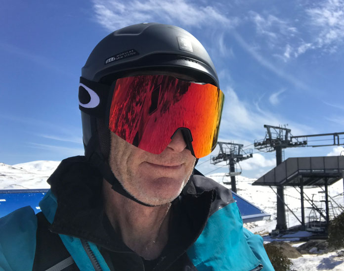 Oakley Fall Line XL goggles on snow