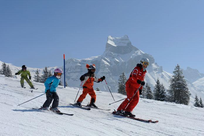 Kids ski school class Engelberg-Titlis