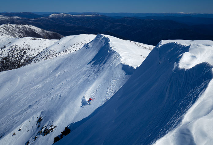 Dropping into Avalanche Gully at Mt Feathertop