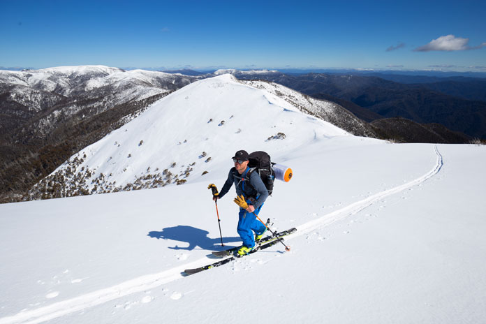 skinning along Razorback Ridge toward Mt Feathertop
