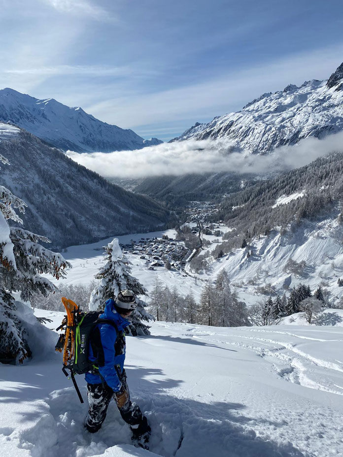 Powder line to the valley floot at Chamonix January 2021