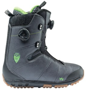 Rome's solid pair of boots for snowboarding girls