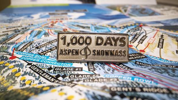 aspen, colorado, ski bum, 1000 days pin