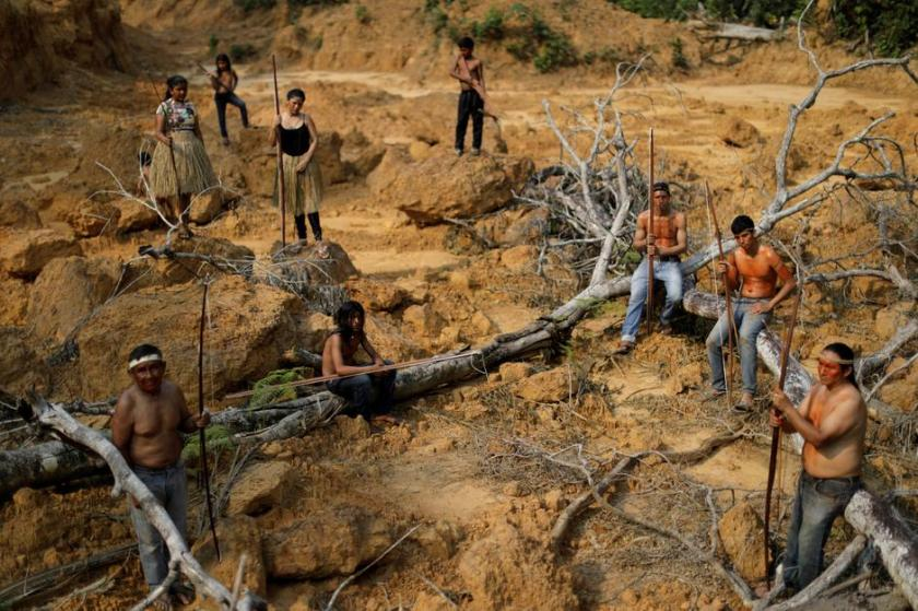 Brazil's indigenous people fighting the fires