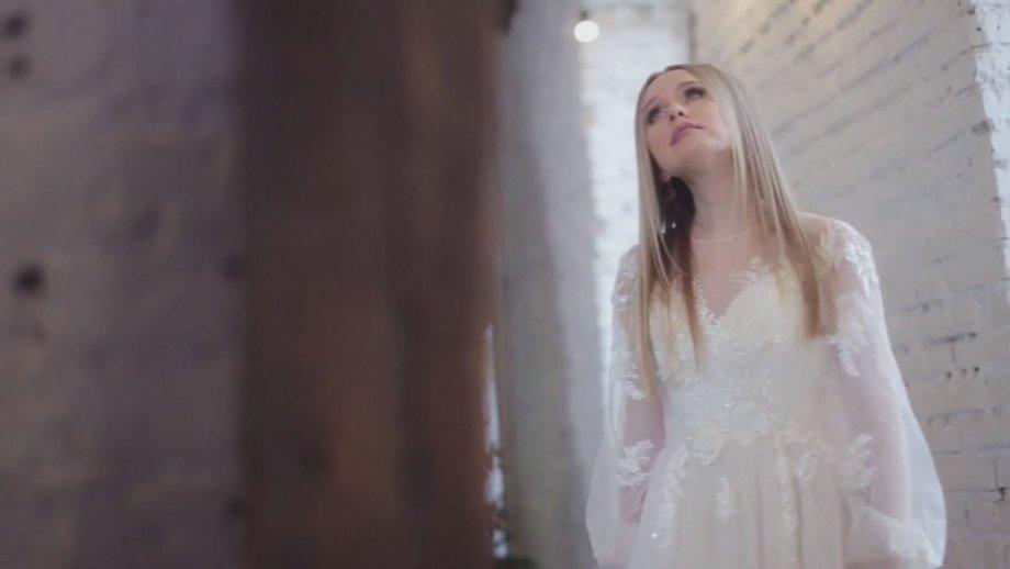 Song translation: Анастасия Чешегорова – Брат