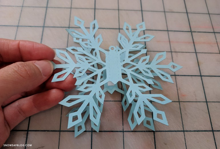 Align Snowflakes