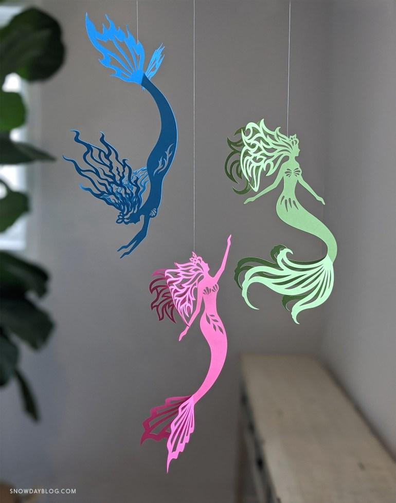 Mermaids Magent_Grass_BrightBlu1