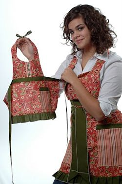 Matching woman and toddler apron set.