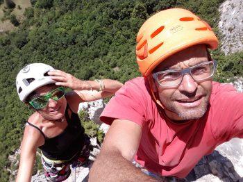 happy-women-mountains-femmes-montagne