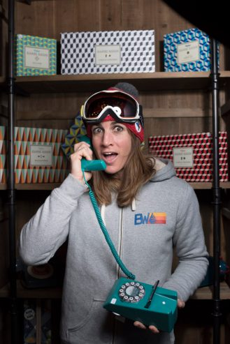 skieuse-femme-championne-athlete-ski-freestyle-alpehuez