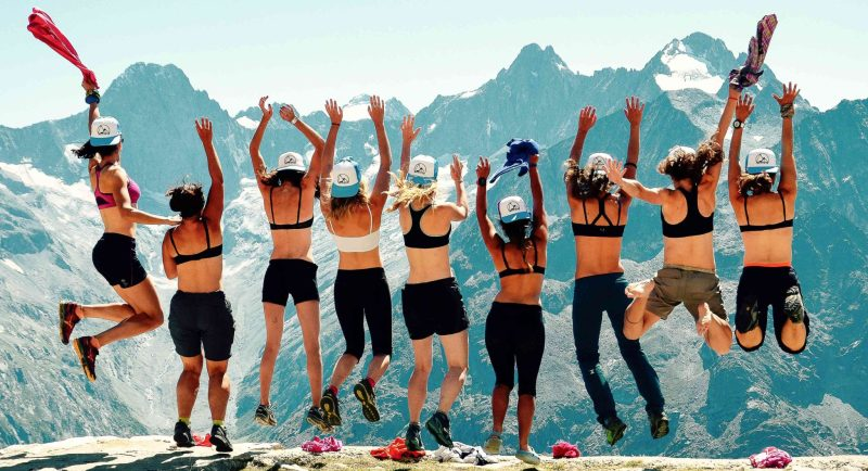 femmes-skieuses-escalade-regroupement-chamonix-Domitille_fleury-Anais_verbruge_fuselier-Lucie_duviau-clementine_junique-Alice_grenier-selection-inspiration-snowflike