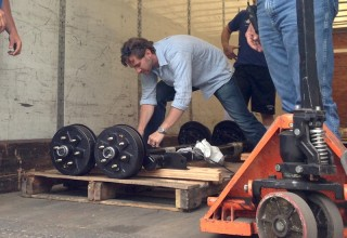 axle-delivery-320×220
