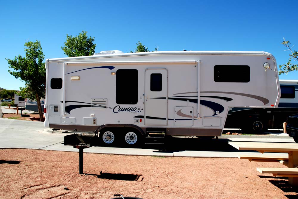 Amazing An Example Of A Fifth Wheel Trailer, Photo Courtesy Of Wikipedia