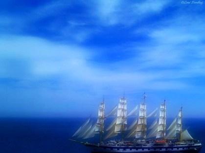Strech You Sails And Sail Away