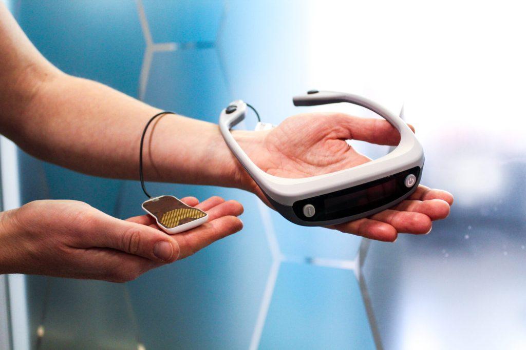 Heuro PoNS vestibular treatment device