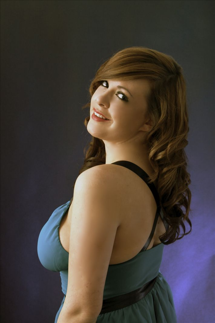 Janine Smith Is An Actor Extra And Dancer Based In London
