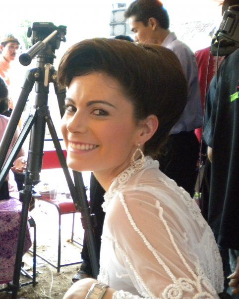 Skye S Me At A Traditional Javanese Wedding In Indonesia Gotta Love The Indonesian Hairstyle They Gave Me Starnow