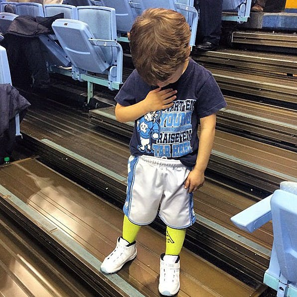 Toddler's pre-game ritual steals the show from UNC men's ...