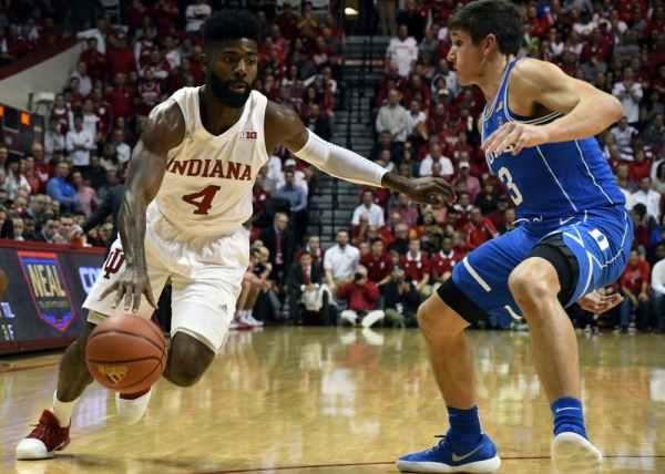 Instant recap: Men's Basketball loses tight game to No. 1 ...