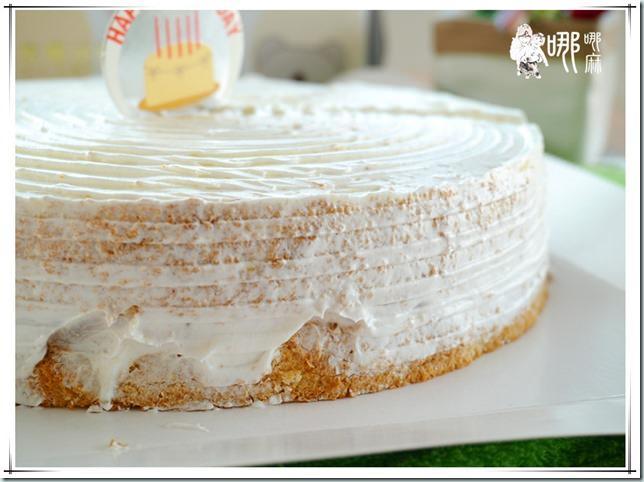 芋頭牛奶蛋糕側面