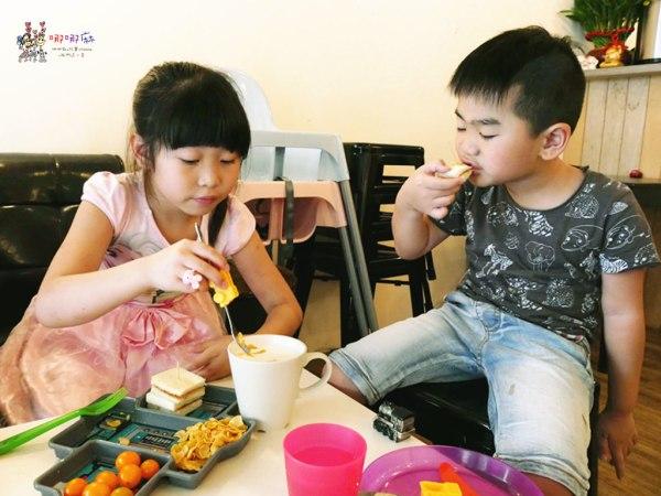 桃園美食,早餐,卡早,牽絲,起司,兒童遊戲區,兒童餐