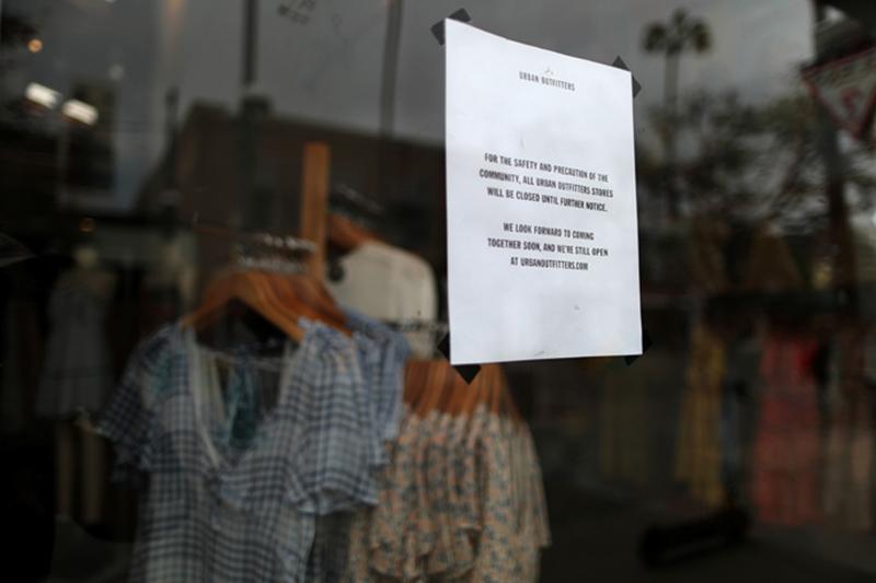 Nghịch lý ngành thời trang: Khi quần áo rẻ tiền hơn một chiếc sandwich