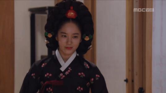 獄中花第13話 ユン・テウォンの部屋に現れるチョン・ナンジョン