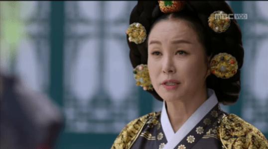 獄中花(オクチュンファ)第20話 報告を受ける文定王后