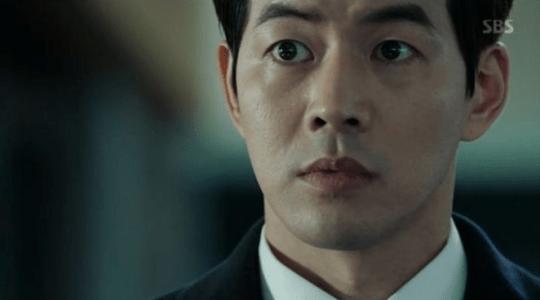 韓国ドラマ「耳打ち(ささやき)」第2話 驚くイ・ドンジュン